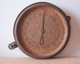Rusty Vintage Scale / Antique Scale / Vintage Scale / Hanging Scale / Industrial Decor / Rustic Home Decor / Rusty Metal / Rusty Scale
