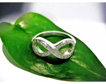Sterling Silver infinity ring in Silver 925