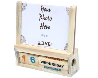 IVEI Wooden Calendar with a photoframe
