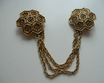 Vintage cloak brooch with chains