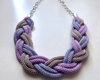 Twist and knitted lilla necklace