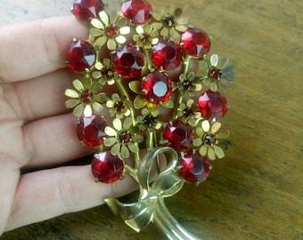 Vintage 1960s red rhinestones floral brooch costume jewellery