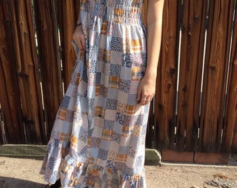 Vintage Calico 70s Maxi Bohemian Dress with Puff Sleeves and Ruffled Hem