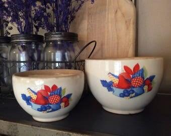 Universal Cambridge Pottery Calico Fruit Nesting Bowls