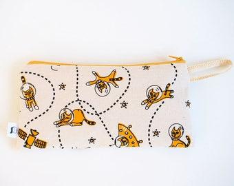 Cat pencil case, cats pencil pouch, screen print, cat makeup bag, cosmetic bag, makeup storage, cat print