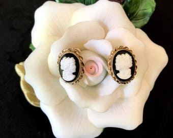 Vintage cameo silhouette screw back earrings 12k GF designer Van Dell