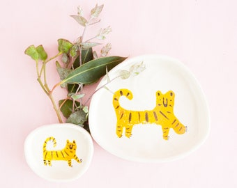 Nimerah Tiger ring dish - orange stripe big cat ceramic plate