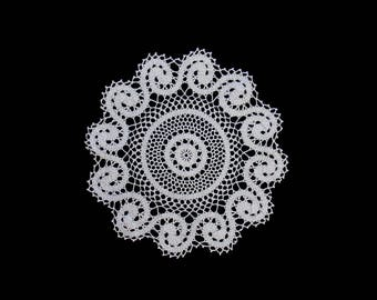 Vintage handmade crocheted doily centerpiece -- large white crocheted doily with swirl pattern --  17 inches / 43 cm