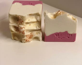 Rose Quartz Soap / Artisan Soap / Handmade Soap / Soap / Cold Process Soap