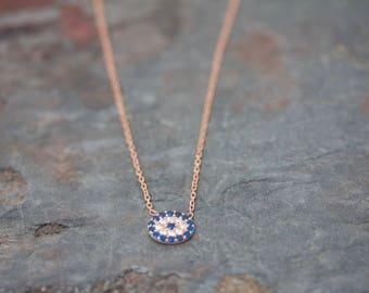 Oval eye necklace