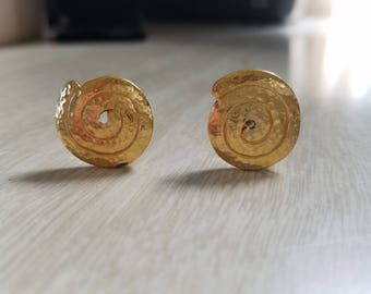 Vintage Monet Spiral/Shell/Gold Tone Clip On Earrings