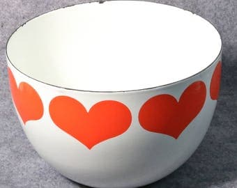 "Vintage Arabia Finland Enamel Bowl with Red Hearts Kaj Franck, 8 1/4"" Diameter"