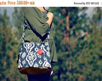 CHRISTMAS SALE Conceal Carry Purse, Medium Messenger Bag, Navy Ikat, Conceal Carry Handbag, Concealed Carry Purse, Conceal and Carry, Navy B