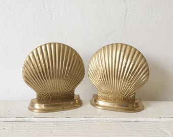 Vintage Set of Brass Shell Bookends / Coastal Home Decor / Vintage Beach House