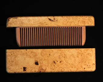 Comb in a maple wood maple case