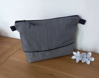 Toilet bag waterproof imprimeraye black and white with or without a handle for child or adult