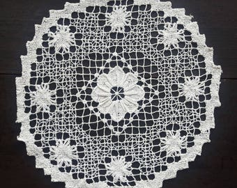 Vintage cream knotted lace round doily