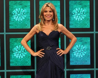 Vanna White Authentic AUTOGRAPHED 3x5 Index Card (Wheel of Fortune)