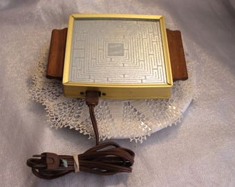 Salton Hotray Vintage Electric Hot Plate Tray Automatic Food Warmer Retro Heater Small Kitchen Appliance Collectible Cooker Still Works!
