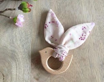 Birdy teether wooden natuel untreated and fabric Nina Iro and pink mix
