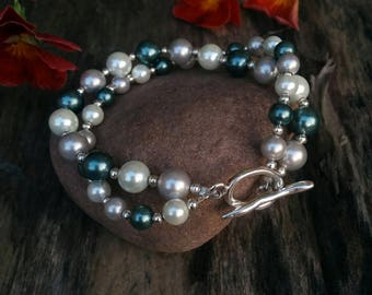 Pearl Bracelet in Silver and Green