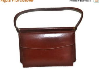 Summer Sale Vintage Tan Leather Handbag // Small Leather Bag // Casual Day Bag