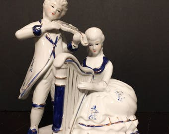 Vintage Colonial Couple Figurine,Courting Couple,Victorian Couple,Blue and White,Amora