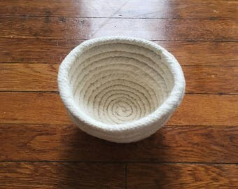 medium rope basket