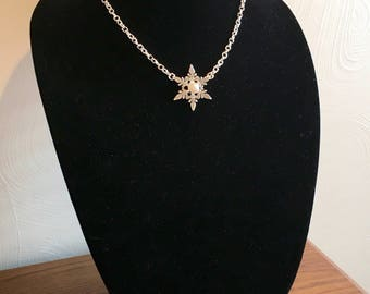 Snowflake Pearl Necklace