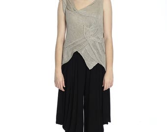 Summer feminine taupe linen top, M size. Made of pure linen.