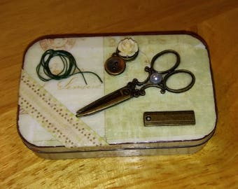 Mini Sewing Kit - Altered Altoid Tin