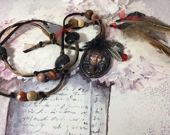 romantic set Native American Indian Medallion leather and feathers