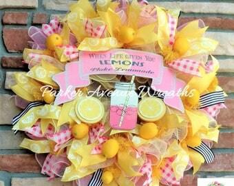When Life Gives You Lemons Make Lemonade wreath, country lemonade, lemons, deco mesh wreath, summertime wreath, ribbon,lemonade