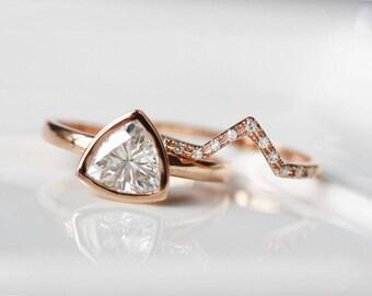 Unique Wedding Ring Set 6.5mm Trillion Cut Moissanite Engagement Ring 14K Rose Gold Bezel Moissanite Ring Set/Promise Ring/Bridal Ring Set