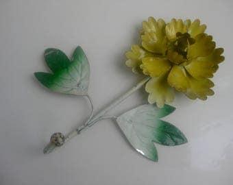 Old flower metal pendant-chrysanthemum