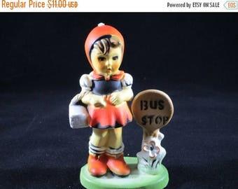 Pixie Elf Girl Figurine Bus Stop (1028)