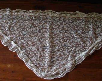 Vintage White Lace Shawl/Scarf