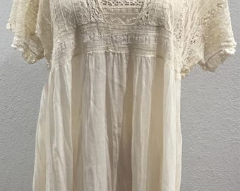 1910s Muslin & Lace Maxi Dress, Festival or Beach Wedding or Everyday! Flowing in Amazing Condition No Flaws at All! Three kinds of Lace!