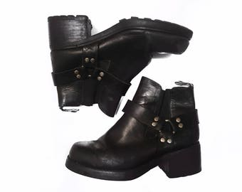 Vintage Bongo Black Leather O-Ring Ankle Boots