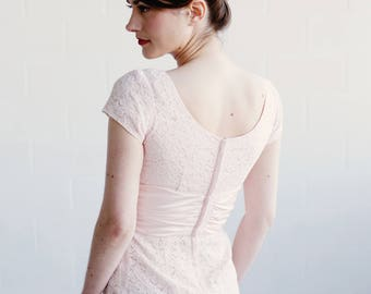 The ANNA Dress / Vintage 1950s Blush Lace Dress / JR Theme New York / Dipped Back / Ballerina Lace / Petite Danseuse Collection / XS/S