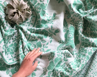 Vintage Floral Blanket | Reversible Throw Blanket | Patterned Bedspread  | Colorful Bed Blanket Fringes | Mint Green White Bedspread