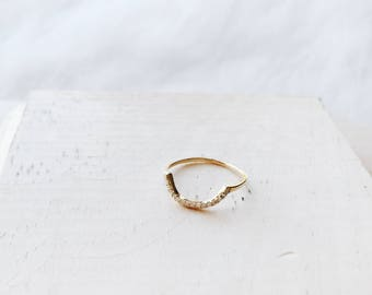 R1033 - New Crescent Gold Plated Sterling Silver Size 5 Ring