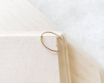 R1027 - New Rose Gold Thin Twist Dainty Stainless Steel Ring