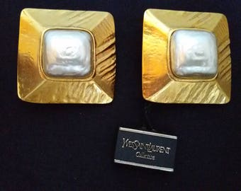 YSL Yves Saint Laurent Collection Massive truncated pyramid with mother of pearl clip-on earrings vintage 1980s