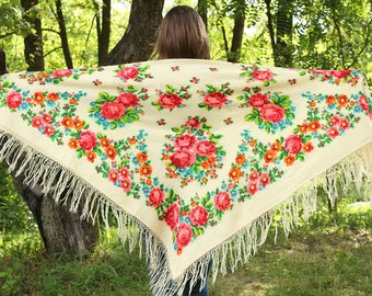 White wool Russian shawl Old ivory Wedding shawl Ukrainian shawl with flowers Shawl rose pattern Rustic Large shawl Big Ukrainian shawl