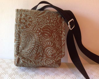 Travel shoulder pack bag,tourist, summer bag, pretty print, paler green spotted cotton lining, zipped pockets, room for mobile and passport.