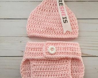 Newborn Kiss Hat with matching Diaper cover, newborn photo prop, it's a girl, it's a boy, newborn Halloween Costume