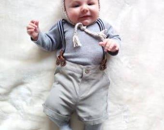 Baby bonnet, pom pom bonnet, newborn bonnet