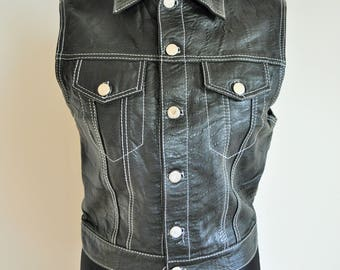 Vintage Womens  Vest / / Black / Medium / M / 40  / Leather imimation / Buttons down