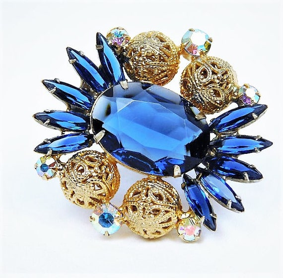 Juliana Rhinestone Brooch / Verified D & E / DeLizza Elster / Sapphire Glass / Brass Filigree Bead